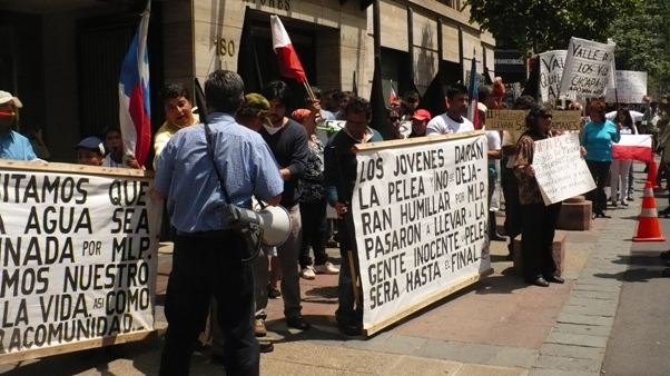 Protesters demand closing and removal of El Mauro tailings dam in northern Chile