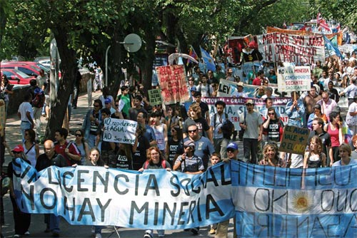 Massive anti-mining march in Mendoza, Argentina on Feb 25 2011
