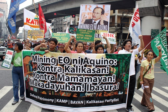 Kalikasan Partylist and allies troop to Mendiola denouncing Aquino's mining EO