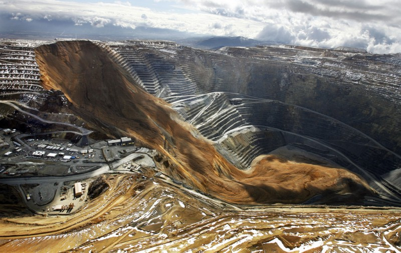 Land slide at Rio Tinto's Bingham Canyon mine