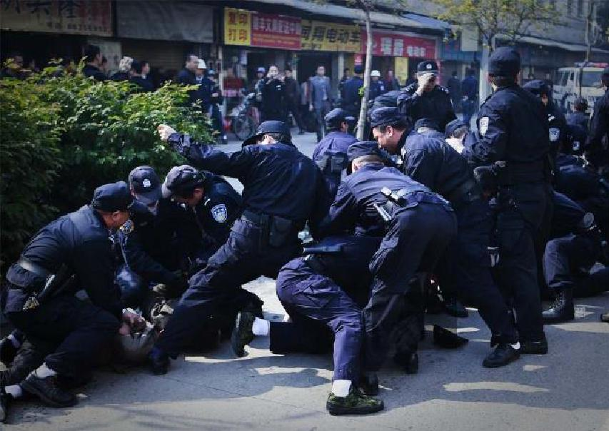 Chinese police break up pneumoconiosis protest